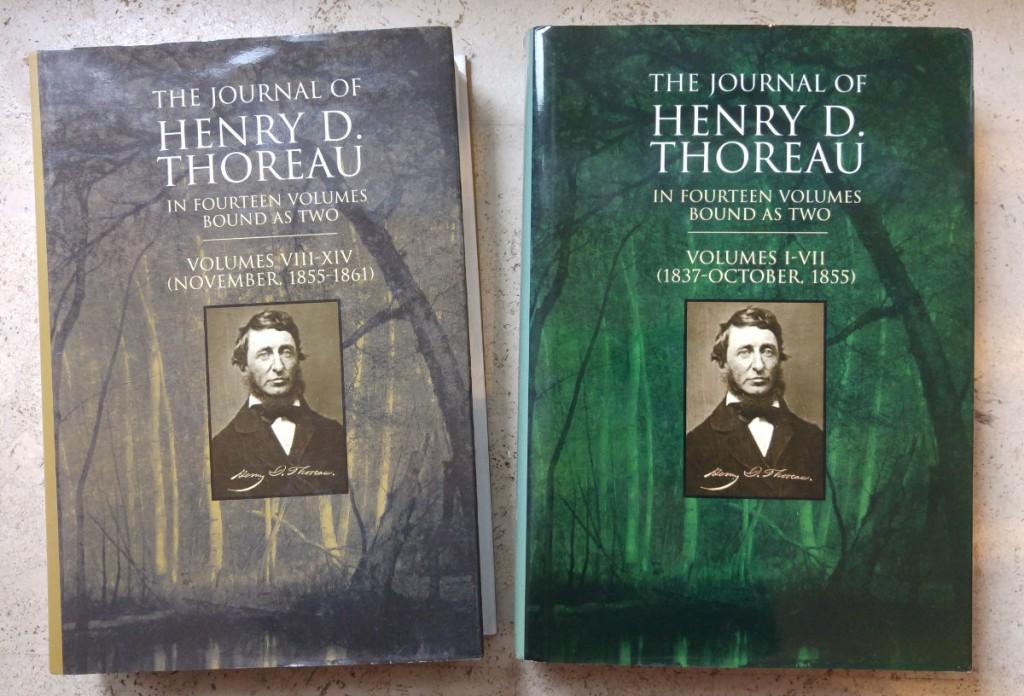 Die beiden dicken Bände mit den 47 Tagebüchern von H.D. Thoreau