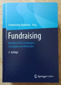 handbuch-fundraising